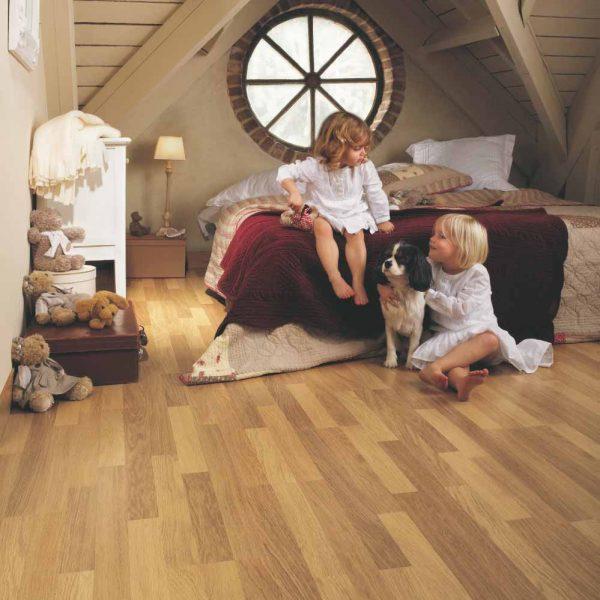 Quickstep Classic Enhanced Oak Natural Varnished 3 Strip CL998 - Room