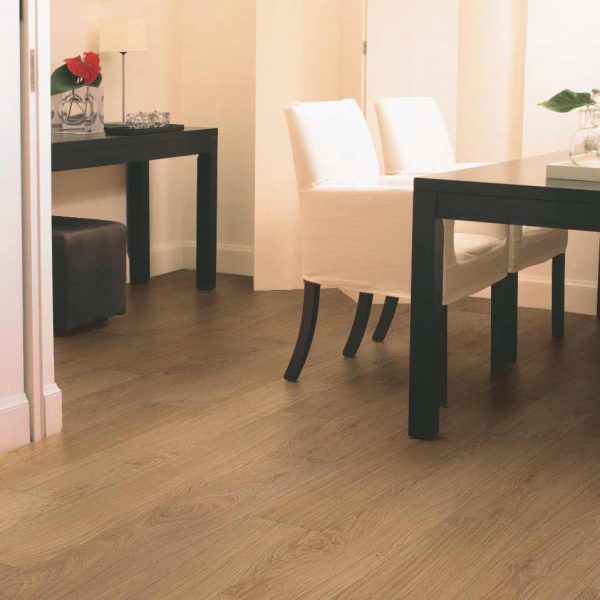 Quickstep Classic Natural Varnished Oak CLM1292 - Room