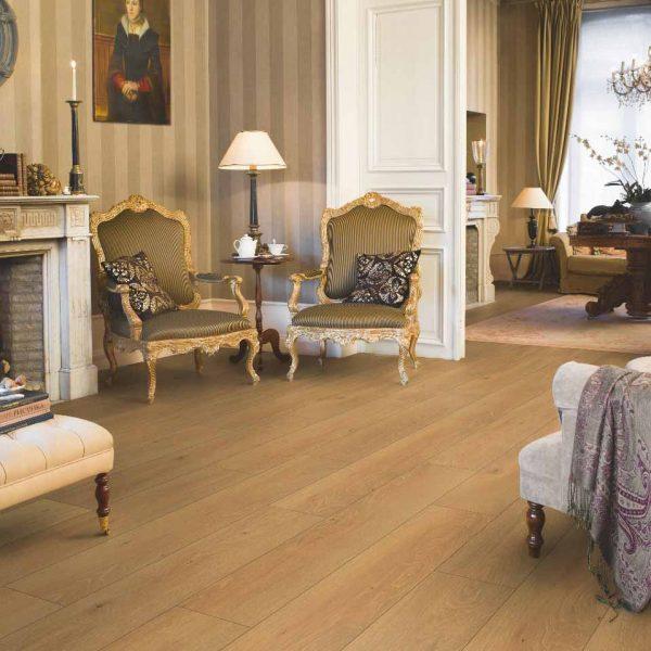 Quickstep Classic Moonlight Oak Natural Planks CLM1659 - Room