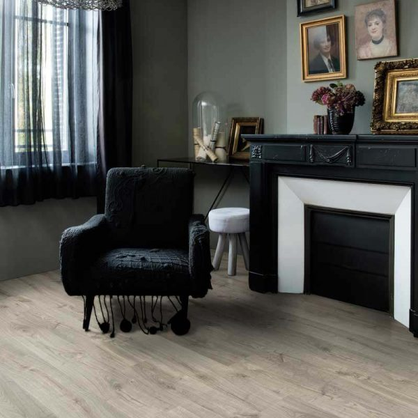 Quickstep Livyn Pulse Click Autumn Oak Warm Grey PUCL40089 - Room