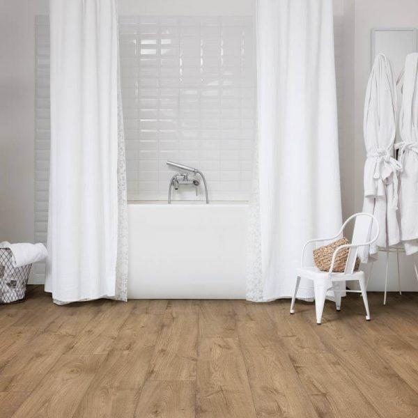 Quickstep Livyn Pulse Click Picnic Oak Ochre PUCL40093 - Room