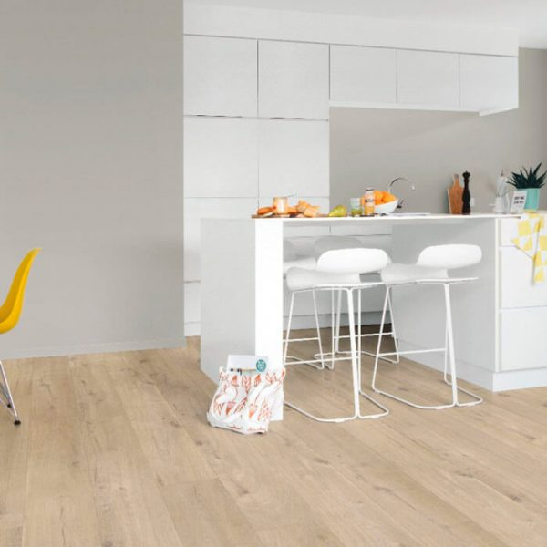 Quickstep Livyn Pulse Click Plus Cotton Oak Beige PUCP40103 - Room