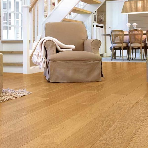 Quickstep Perspective Natural Varnished Oak Planks UF896 - Room