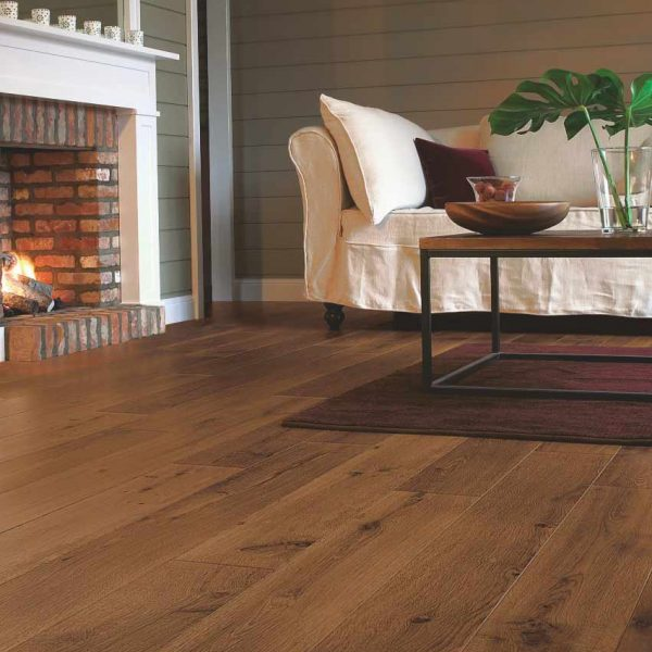 Quickstep Perspective Vintage Oak Dark Varnished Planks UF1001 - Room