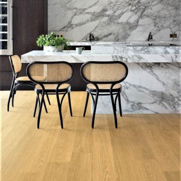 Quickstep Signature Natural Varnished Oak SIG4749 - Room