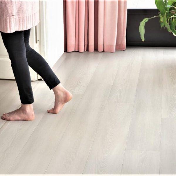 Quickstep Signature White Premium Oak SIG4757 - Room 2